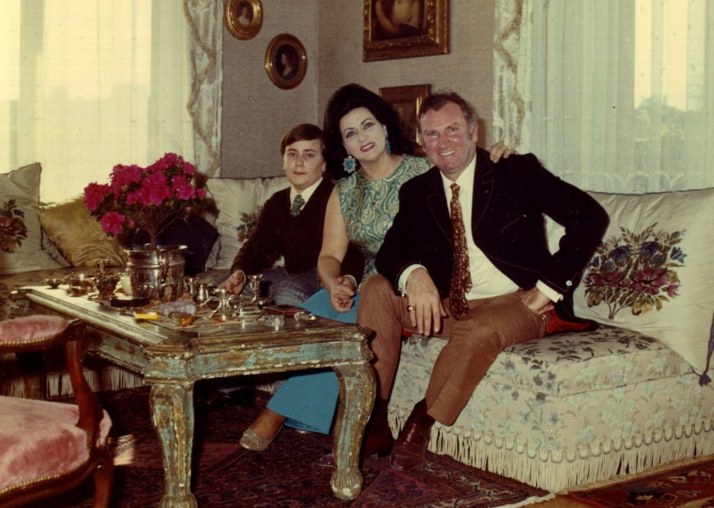 Alessandro-Virginia-and-Nicola-Rossi-Lemeni-at-home-in-Italy