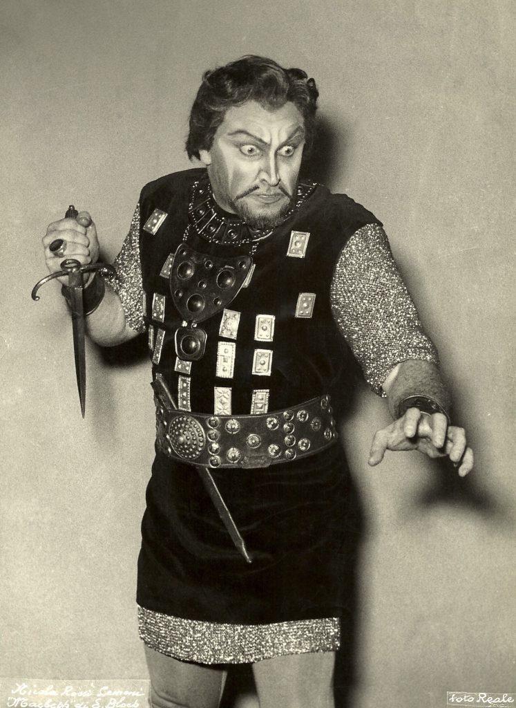 Bloch Macbeth w dagger x